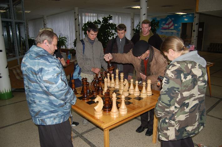 Mikhail Ryabko playing chess 2007 Moscow